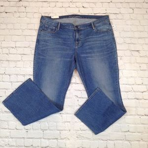 Old Navy mid rise boot cut size 18S Jeans
